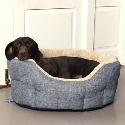 P&L Oval Softee Fleece Lined Dog Bed