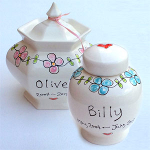 Personalised Ceramic Dog Urn - Forget Me Not