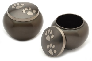 Pet Urn Chertsey Black Pewter