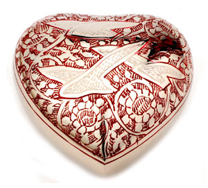Keepsake Urn Althorp Red Heart