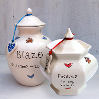 Personalised Ceramic Dog Urn - Hearts & Paws